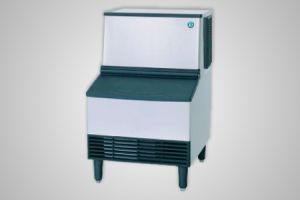 Hoshizaki ice machine (101kg production) - Model KM-100A